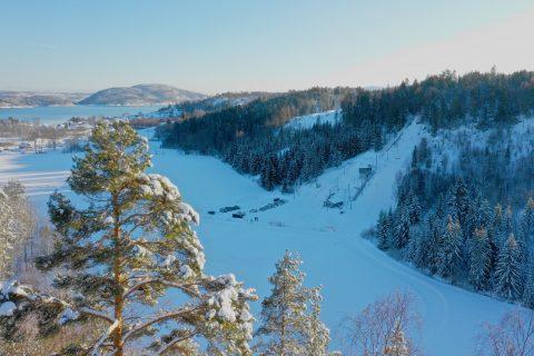 Dronebilde Høvikbakken