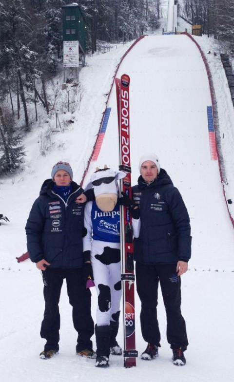 Joacim Ø. Bjøreng og Flying Team Vikersund-lagkamerat Stian Skinnes på FIS-cup i USA.